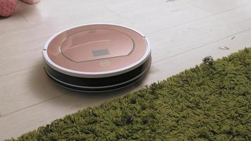 The work of a robot vacuum cleaner Modern technologies video