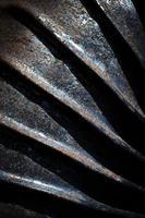 Detalle abstracto de tubo de metal oxidado foto