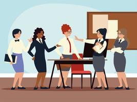 grupo de mujeres empresarias en la oficina vector