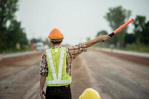 trabajo de construcción en el sitio de construcción foto