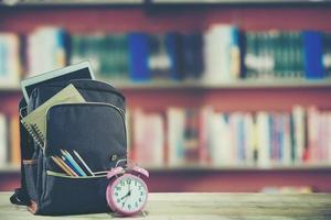 educación o concepto de regreso a la escuela foto