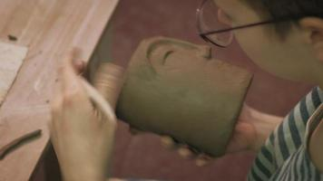 Making a Pottery Cup with A Face video