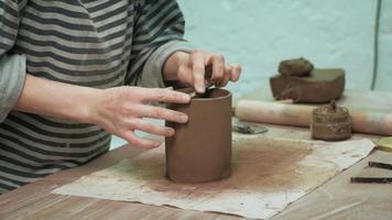 Fine Sculpting a Clay Cup video