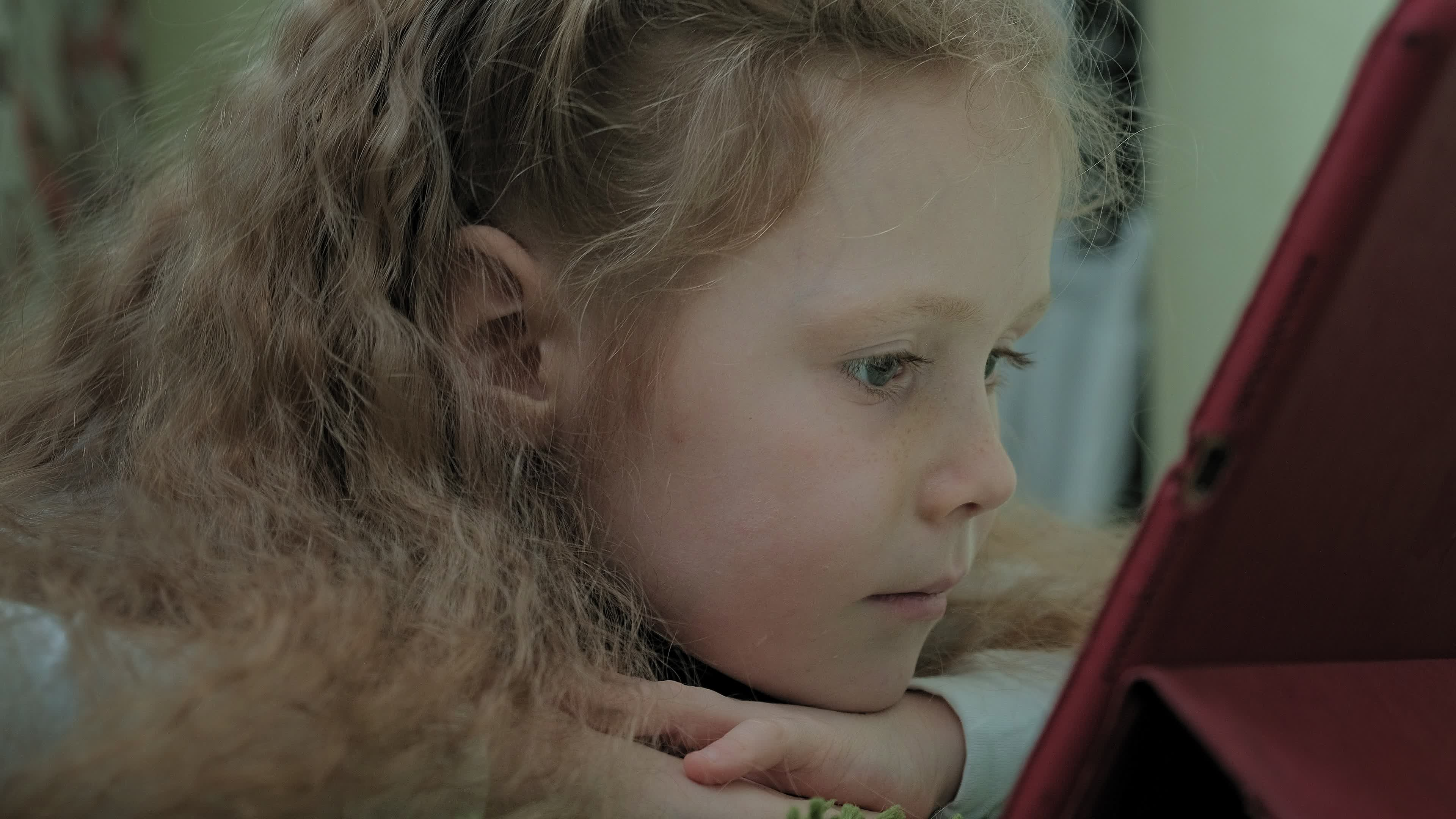 Ein Ebenholzfarbenes Girl Wird Analysiert