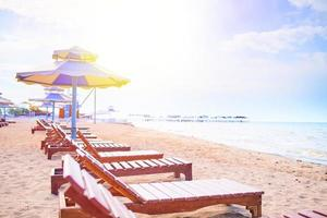 hamacas en la playa foto