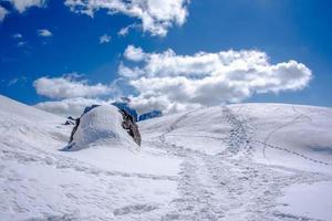 paisaje nevado de dolomita foto