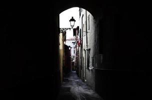 una vista de la calle toscana foto