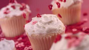 cupcakes de la Saint-Valentin, ralenti video