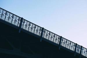 Arquitectura de puente en la ciudad de Bilbao España foto