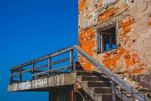 antiguo edificio de ladrillo foto