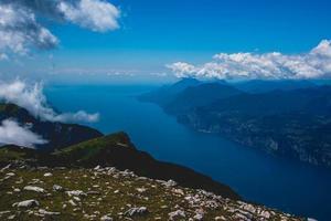 vista del lago de garda foto