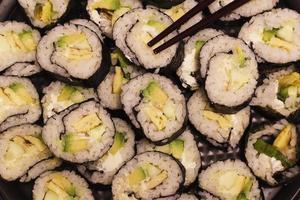 Detalle de comida japonesa de sushi foto