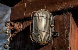 luz de seguridad ovalada foto