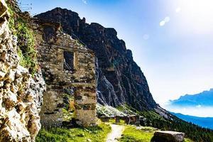 ruta de senderismo en las ruinas foto