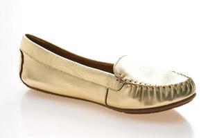 zapatos de mujer sobre fondo blanco foto