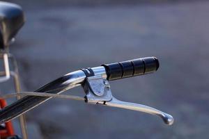modo de transporte del manillar de la bicicleta foto