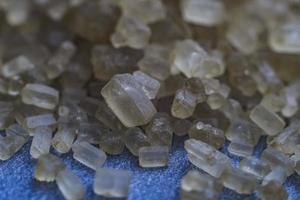 macro cristales de azúcar moreno de caña foto