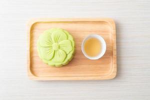 pastel de luna chino sabor a té verde foto
