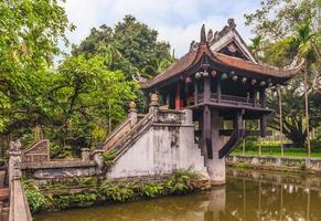pagoda de un pilar en hanoi vietnam foto