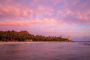 Scenery of Waikiki beach and Diamond head mountain, Oahu, Hawaii photo