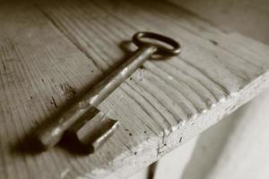 llave de metal antigua foto