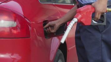 close-up, auto vullen met gas video