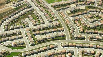 foto aérea de um conjunto habitacional no sul da Califórnia video