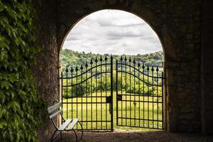 puerta al jardín foto
