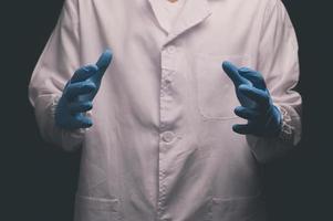 gestos con las manos del doctor en actividades foto