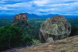sigiriya aka lion rock, antigua fortaleza en sri lanka foto