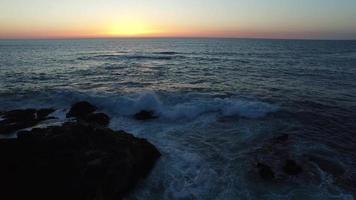 flygfoto av solnedgången vid Oregon kust video