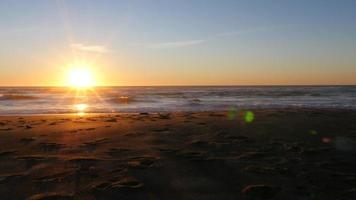 solnedgång vid stranden, Lincoln City, Oregon video