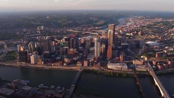 Flygfoto över Pittsburgh, Pennsylvania video