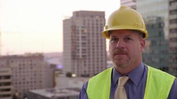 retrato del gerente de la construcción video