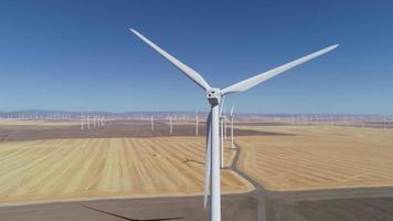 turbina eólica em campo, oregon video