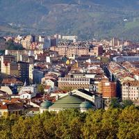 paisaje urbano de la ciudad de bilbao españa foto