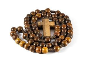 rosario de madera en forma redonda foto