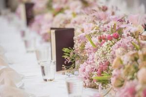 la elegante mesa de la cena foto