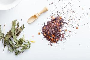 té aromático asiático hierbas buena salud y beneficios mentales foto