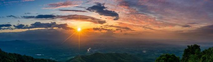 Mountain panorama photo Morning sun Thailand View on the top of the hill with beautiful sunsets. Nakhon Si Thammarat Chawang District
