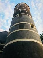 Torre del castillo de panemune en Lituania desde cerrar foto