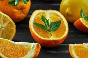 concepto de alimentación saludable frutas cítricas frescas foto