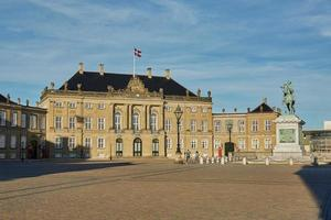Amalienborg, la residencia de la familia real danesa en Copenhague, Dinamarca foto