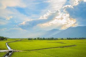 paisaje de chishang, taitung cerca del pabellón de lavado de jinyuan foto