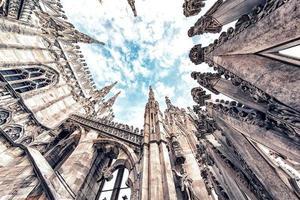 la arquitectura de la catedral de milán, italia foto