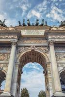 arco della pace en milán, italia foto