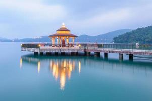 paisaje del lago sun moon en taiwán foto