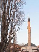 hermosa mezquita lugar de culto musulmán foto