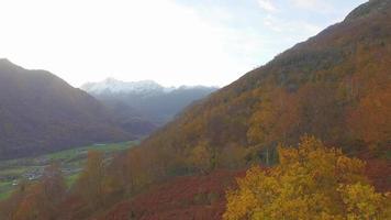 luchtlandschap in de bergen. video