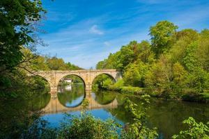 Prebends puente que cruza el río desgaste en Durham, Inglaterra foto